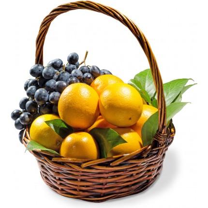 """Подарочная корзина """"Апельсины и Виноград"""""""