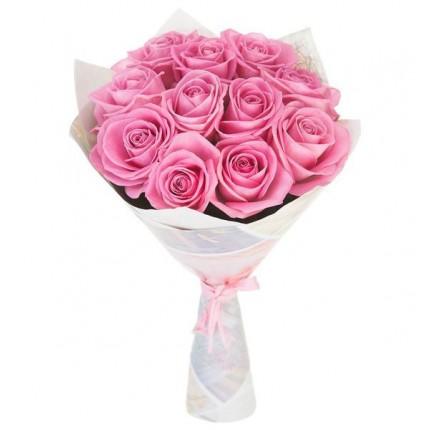 Букет из 11 розовых роз в крафте