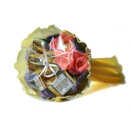 """Букет из чая и конфет """"Три цветка"""""""