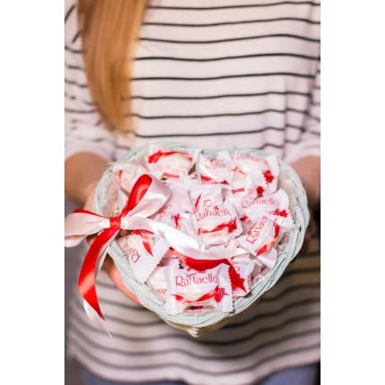 Сладкий букет из конфет Рафаэлло №56