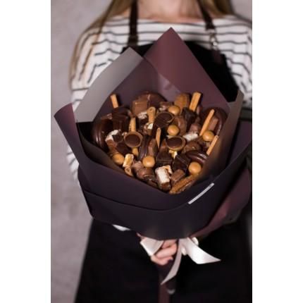 Сладкий букет из шоколада №63