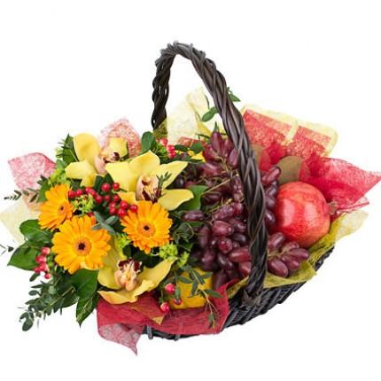 """Подарочная корзина с цветами и фруктами """"Роскошь природы"""""""