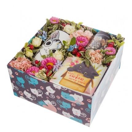 """Подарочная коробка """"Любимой кошечке"""""""