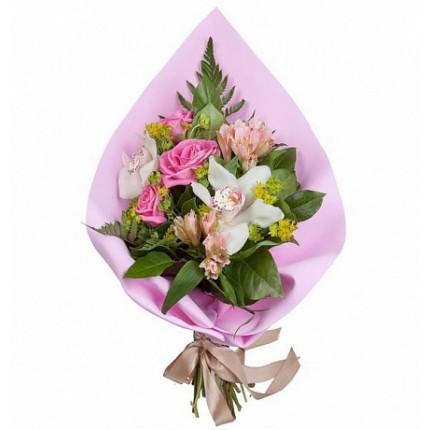 Букет из роз, орхидей и буплерума