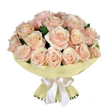 Букет 19 кремовых роз