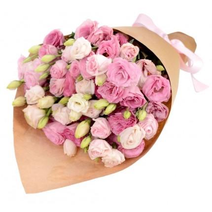 Букет из розовых эустом в крафте